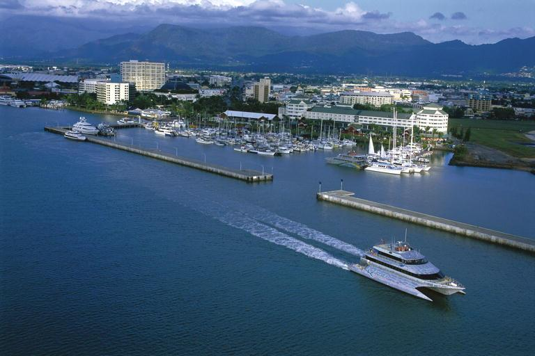 reef-cruise-depature-cairns-2349